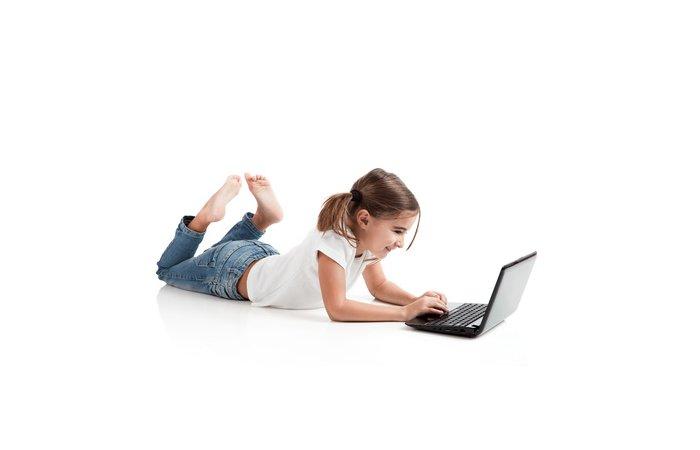 Verbraucherzentralen kritisieren Spieleportale fuer Kinder im Internet