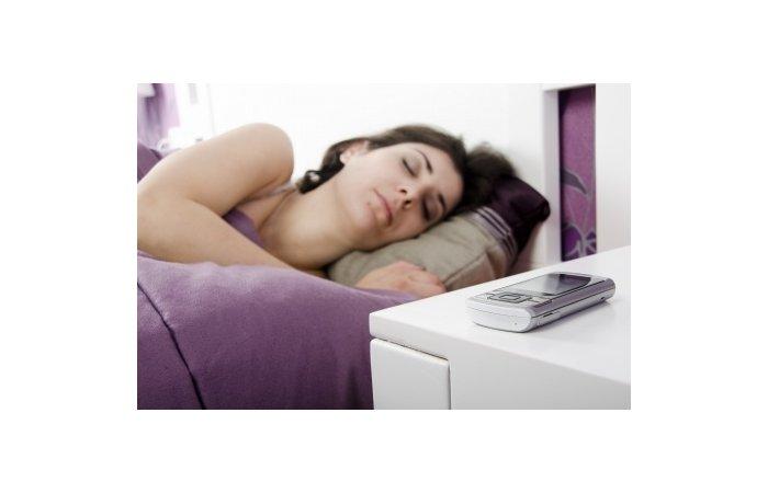 Strahlenbelastung - Handys nicht neben das Bett legen