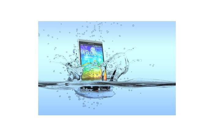 Smartphones nicht ins Meerwasser mitnehmen