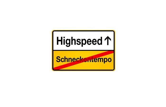 Breitbandausbau - Bundestag fordert Bewegung