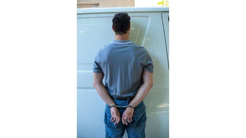 Festnahme - Bundeskriminalamt stellt Online-Dealer, Drogen im Darknet